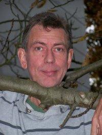 Piet Bruyninckx, ex-art-director en monitor bij mindervaliden. Bij de Beerschotsupporters is er ook veel goéd volk.
