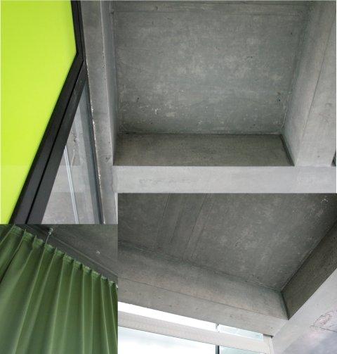 Collage van de gebruikte materialen. Links de folie op de toegangsdeur en de groene gordijnen van de kabinetten. Rechts de ontmantelde, blote betonstructuur van plafonds en zuilen, waarover in het begin zoveel controverse was.
