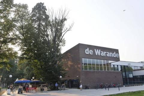De Warande, een gereputeerd Cultuurhuis met regionale uitstraling, zou terug naar Turnhout gaan. 'Kafkiaans', want nog maar in 2009 nam de provincie het over omdat de stad de financiële last niet dragen kon.