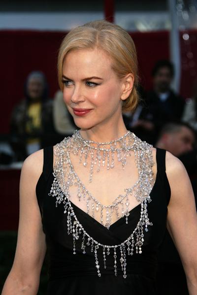 Nicole Kidman droeg op de Oscaruitreiking van 2008 een 1399 karaats diamanten halsketting. Het eigendom van die effectief mooie dingen weerspiegelt actueel een onaanvaardbare ongelijkheid. (Foto AWDC)